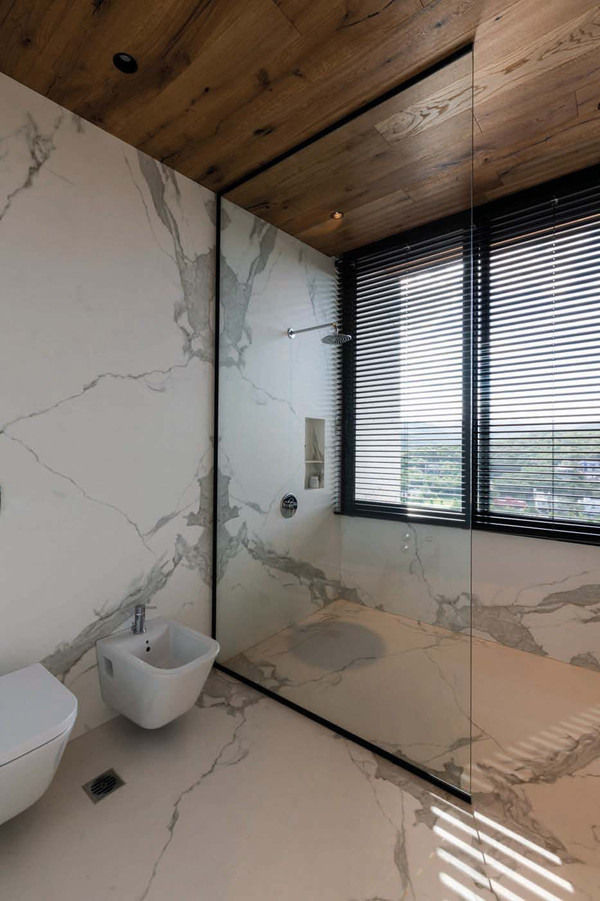 Wall cladding made of procelain ceramic - Photo: NEOLITH®