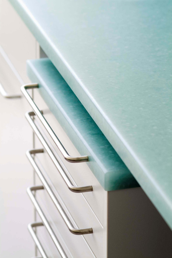 Worktop made of Solid Surface Material - Photo: STUDIO Collection®