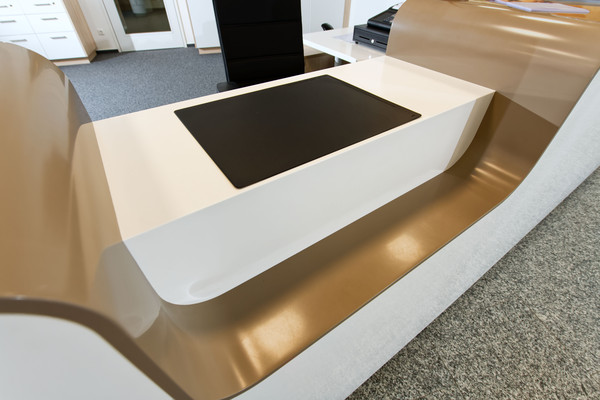 Counter made of Solid Surface Material Avonite® - Photo: BRAUN media